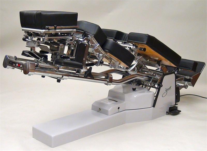 230 Zenith Pierce Hylo Adjusting Table