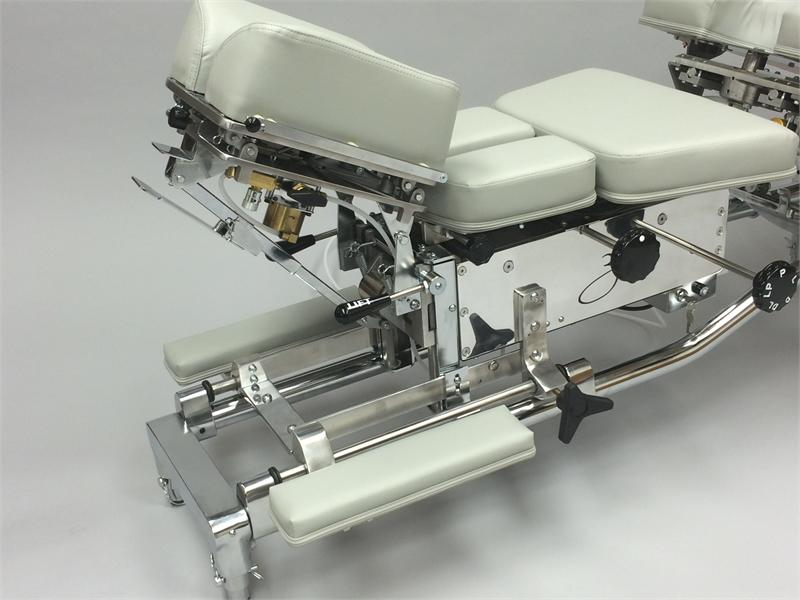 Model 440L   Zenith Stationary THOMPSON Chiropractic Adjusting Table